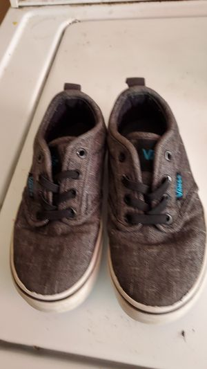 Gray and blue vans for Sale in Modesto, CA
