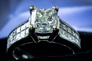 Lady's 18K White Gold Princess Cut 33 Diamond Engagement Ring for Sale in Pingree Grove, IL