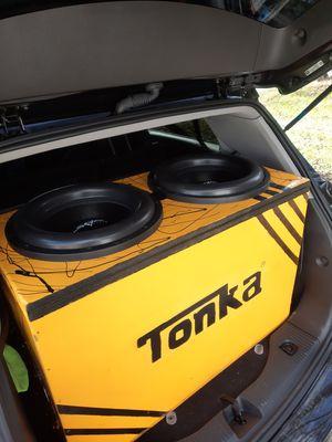 Dual 15 inch skar Zvxv2 for sale in custom box for Sale in Baltimore, MD