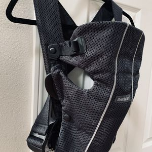 BABYBJÖRN Baby Carrier Mini for Sale in Bend, OR