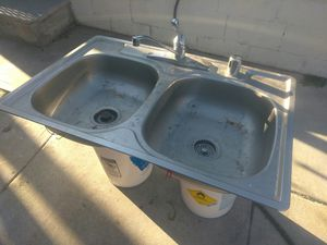 Kitchen sink and faucet for Sale in Colton, CA