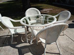 Hampton Bay Outdoor Resin dining set for Sale in Largo, FL