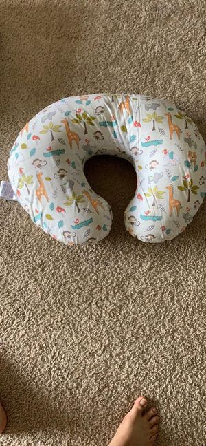 Nursing pillow for Sale in Peoria, IL