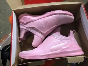 Ladies Puma shoes- size 9 for Sale in Washington, DC