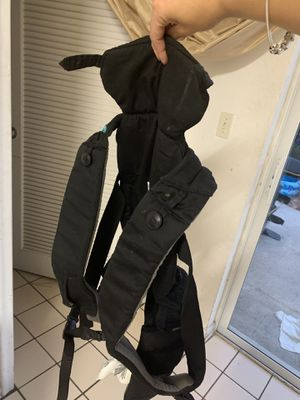 Baby carrier for Sale in West Palm Beach, FL