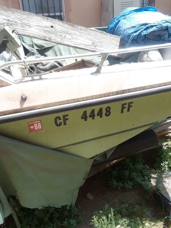 Old 1988 Fantasy Boat or Parts Of The Boat