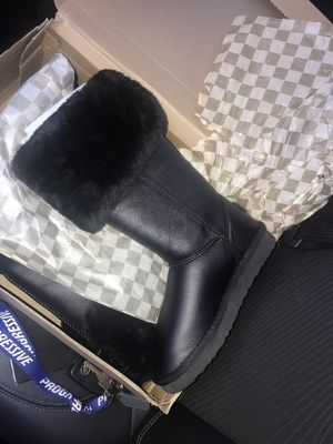 Black uggs comfortable and warm for Sale in Cleveland, OH