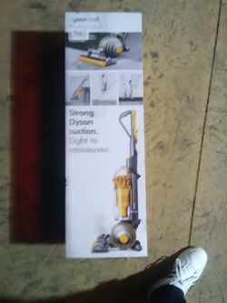 Dyson Ball Vacuum Multi Surface 2 for Sale in Portland,  OR