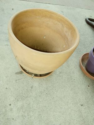 Flower pot for Sale in Los Angeles, CA