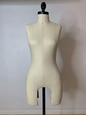 Professional Female Dress Form Mannequin w/ Black Rolling Bass for Sale in Burbank, CA