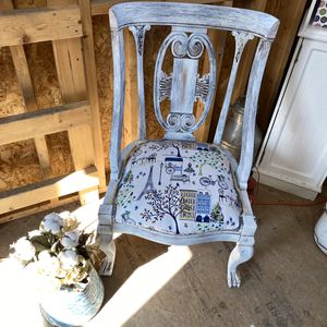 Shabby chic Paris themed accent chair for Sale in Ellinwood, KS