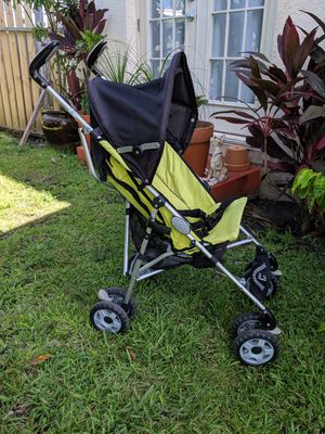 Chicco Lime Green stroller for Sale in West Palm Beach, FL