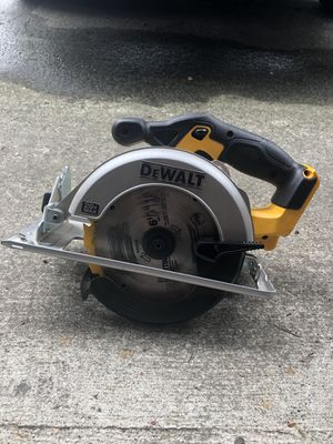 DEWALT 20-Volt Max 6-1/2-in Cordless Circular Saw with Brake and Magnesium Shoe (bare tool only) for Sale in Everett, WA