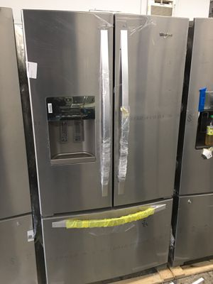 Whirlpool stainless steel refrigerator 25 cubic feet with year manufacture warranty for Sale in La Mirada, CA