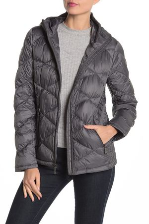 Michael Kors Packable Hooded Quilted Down Jacket for Sale in Bellevue, WA