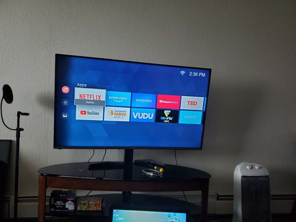 Tv 55 inches 4K smart TV with remote