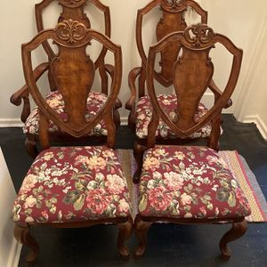 Set Of 4 Shabby Chic Chairs for Sale in White Plains, NY