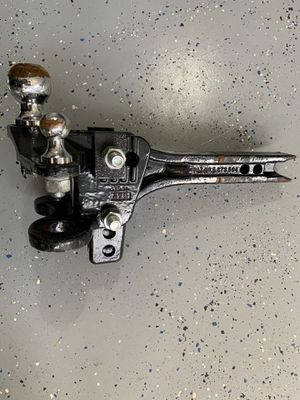 Pro series weight distribution hitch with friction sway control. 15000 lb trailer weight and 1000-1500lb tongue weight for Sale in Wake Forest, NC