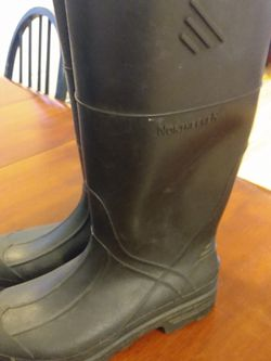 Boys Rain Boots Size 5 for Sale in Gig Harbor,  WA