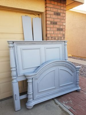 Stunning heavy wood distressed light gray queen bed frame for Sale in Chandler, AZ