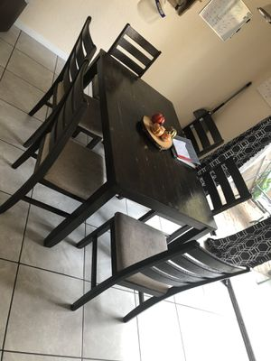 Small kitchen table & chairs for Sale in Visalia, CA