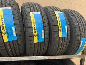 235/65/17 hwy tire for Sale in Arlington, TX