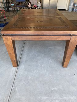 Solid Coconut table and ottoman for Sale in Tulare, CA