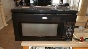 Over the range Whirlpool black microwave for Sale in Kissimmee, FL