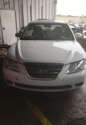 2010 Hyundai Sonata parting out for Sale in Houston, TX