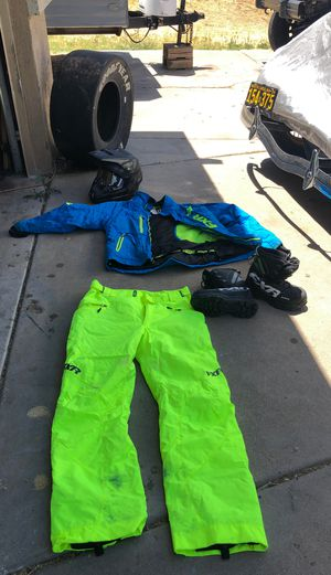 FXR Snow Outfit for Sale in Mesa, AZ