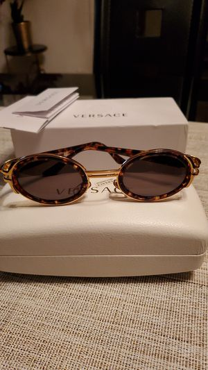 Versace women's sunglasses for Sale in Bensalem, PA