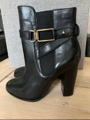 Black boots size 7 NWT for Sale in Clermont, FL
