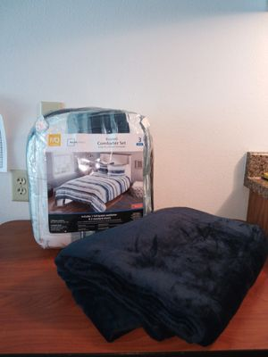 Brand New bedding with throw blanket for Sale in Phoenix, AZ