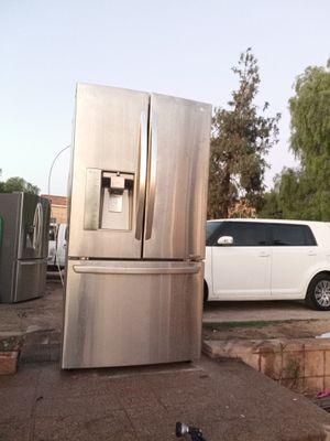 LG refrigerator for Sale in Moreno Valley, CA