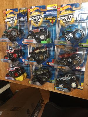 Monster jam 1/64 hot wheels captain America lot of 2. 7 others for Sale in St. Louis, MO