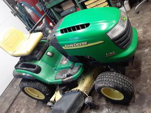 2005 John Deere L130 for Sale in Versailles, MO