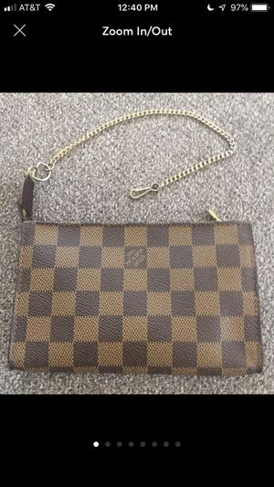 Louis Vuitton Damier pouch for Sale in Tampa, FL