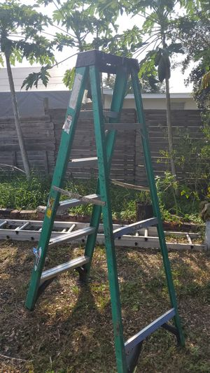 6 ft Ladder..escalera for Sale in NW PRT RCHY, FL