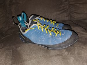 Scarpa Helix Climbing shoes (Mens 11 1/2) for Sale in Seattle, WA