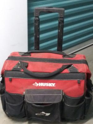 Husky 18 inch rolling tote for Sale in Lakewood, CA