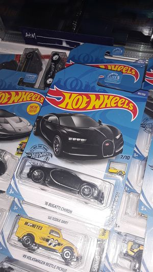 '16 Bugatti Chiron Hot Wheels (3 Available) for Sale in Fallbrook, CA