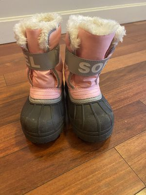 Kid size 11 snow boots for Sale in Queens, NY