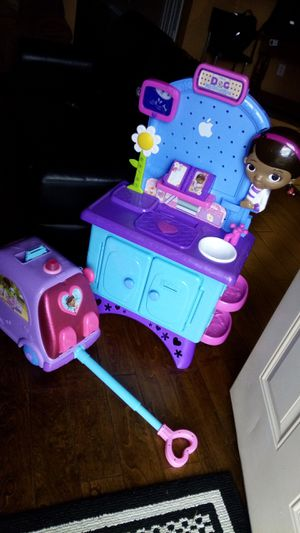 Excellent condition. Doc McStuffins lot. Talking doll. Lots of sounds. Clothes. for Sale in Lucas, TX
