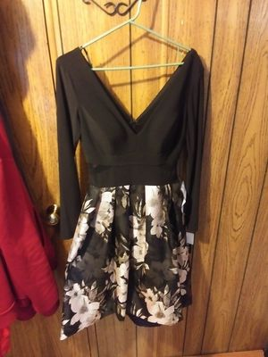 XSCAPE formal party dress size 6 for Sale in Marysville, WA
