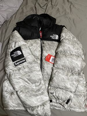 Supreme North Face Nuptse Paper Print XL Brand New with tags for Sale in Carlsbad, CA