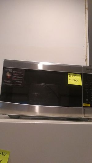 Frigidaire microwave brand new for Sale in Lansdowne, MD