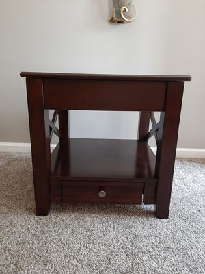 Ashley Furniture End Table for Sale in Columbus, OH