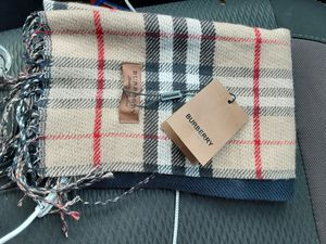 Burberry cashmere scarf for Sale in Lynnwood, WA