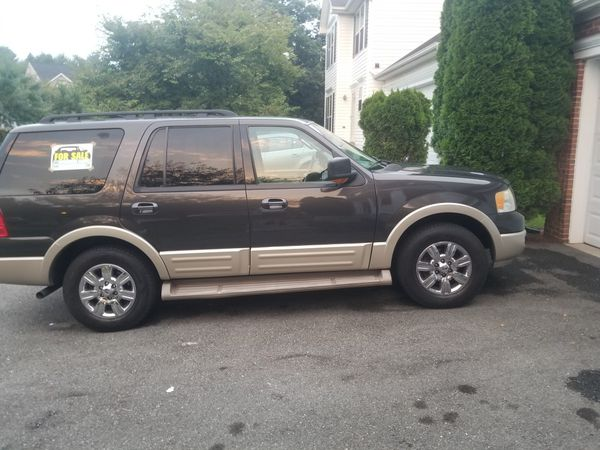 Ford Expedition 2005 Eddie Bauer's, excellent conditions with clean title. JUST ACCEPTING CASH, MONEY ORDER, PERSONAL CHECK