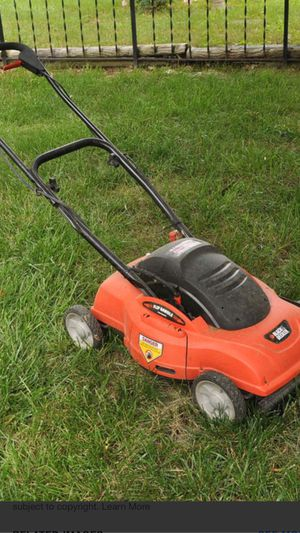 "18"" BLACK AND DECKER ELECTRIC MULCHING LAWN MOWER for Sale in Las Vegas, NV"